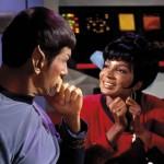 Spock e Uhura nella Serie Classica