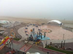 Nebbia sulla spiaggia