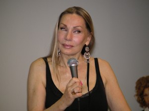 Virginia Hey sempre più splendida.